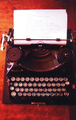 The Triumph Durabel typewriter which provided the character set for the original FF Trixie. (From the LettError archive via FontFont).