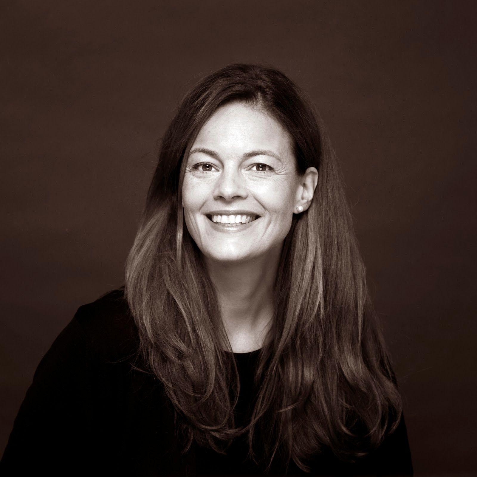 Headshot of Carolina Laudon.